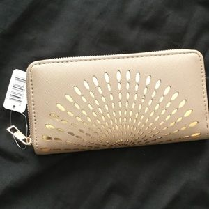 A Beautiful Wallet !!!!!! Brand New 👜